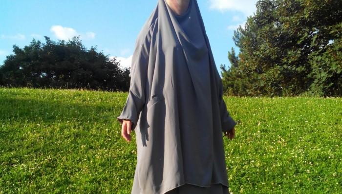Le jilbab à poches Al-Moultazimoun