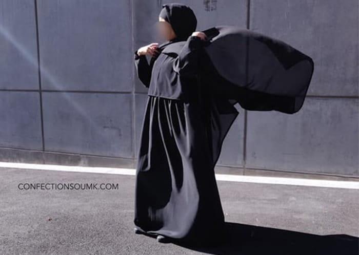 Ces abayas d'allaitement qu'on aime porter même sans allaiter !