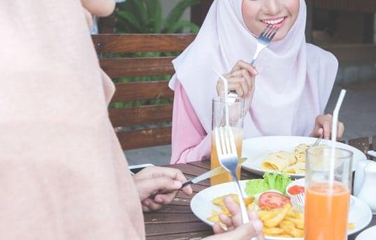 """Les meilleures adresses """"halal"""" pour sortir, manger et voyager dans le monde entier"""